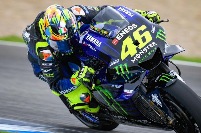 Pembalap Monster Energy Yamaha, Valentino Rossi, menjalani sesi tes pramusim MotoGP 2020 di Sirkuit Jerez, Spanyol.