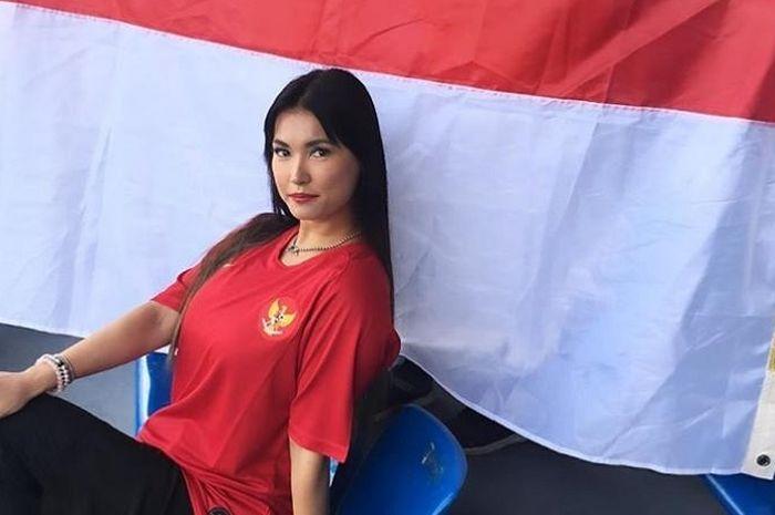 Miyabi mendukung Timnas U-23 Indonesia di ajang SEA Games 2019.