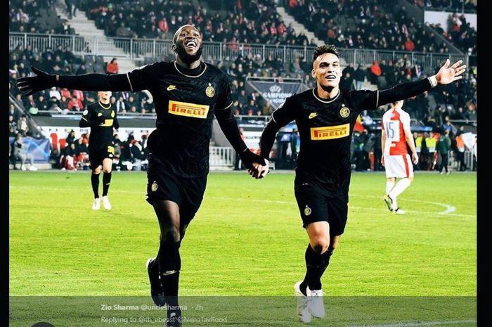 Dua penyerang Inter Milan, Romelu Lukaku (kiri) dan Lautaro Martinez.