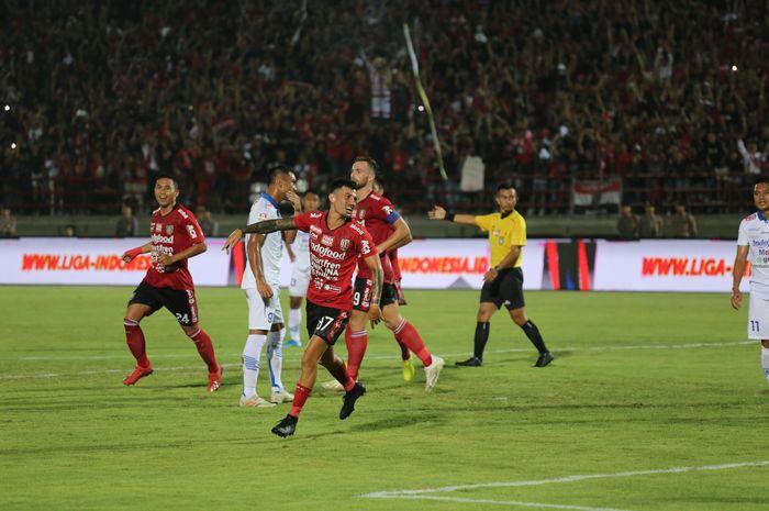 Laga antara Bali United dan Persib Bandung di pekan ke-29 Liga 1 2019 pada Kamis (28/11/2019) di Stadion Kapten I Wayan Dipta, Gianyar.