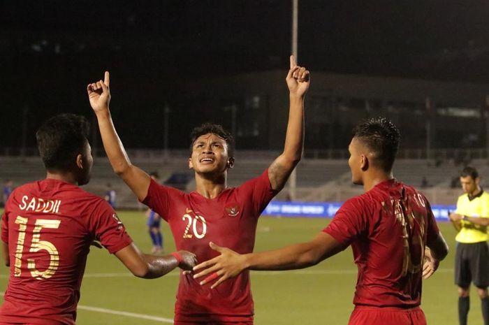 Pemain timnas u-22 Indonesia, Osvaldo Haay, merayakan gol yang dicetaknya ke gawang Singapura
