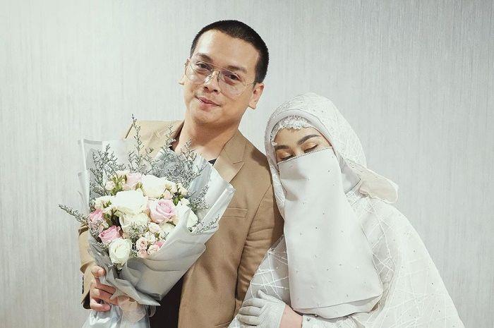 Hanya butuh waktu 3 jam saja bagi selebgram ini untuk memantapkan diri menikahi istrinya.