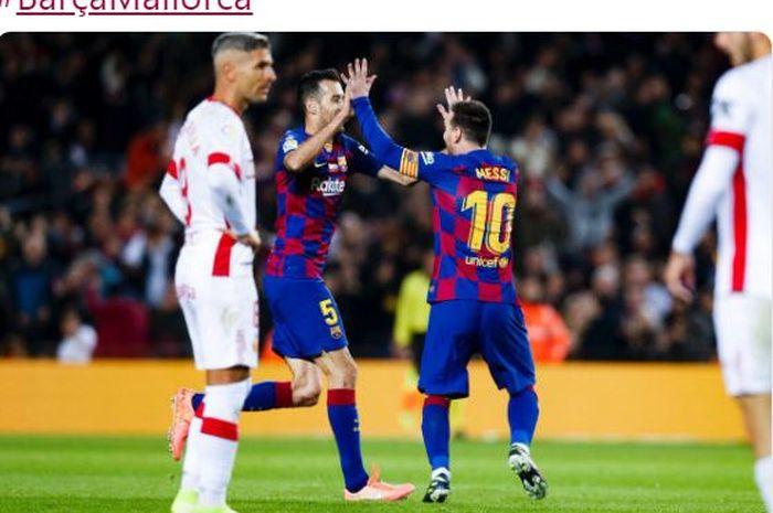 Megabintang Barcelona, Lionel Messi, merayakan gol yang dicetak ke gawang Real Mallorca dalam laga Liga Spanyol di Stadion Camp Nou, Sabtu (7/12/2019).
