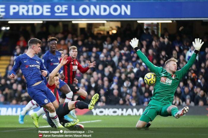 Mason Mount memperoleh peluang mencetak gol ketika melawan Bournemouth di Stamford Bridge, Sabtu (14/12/2019).