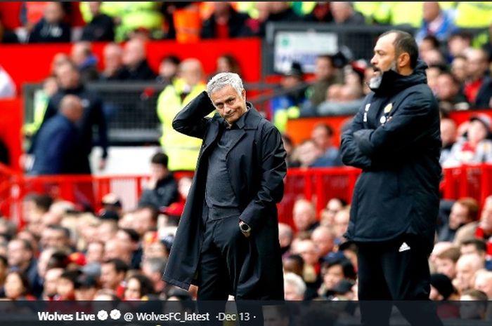 Pelatih Tottenham Hotspur, Jose Mourinho (Kiri) dan pelatih Wolverhampton Wanderes, (Wolves) Nuno Esprito Santos