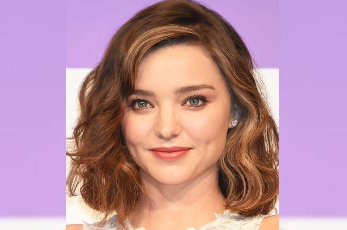 Jelang Tahun Baru 2020 Lihat Inspirasi Model Rambut Yang Cocok Untuk Pemilik Wajah Bulat