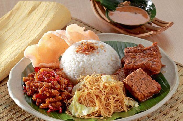 Sering Makan Nasi Uduk Untuk Sarapan Sebaiknya Kurangi Karena