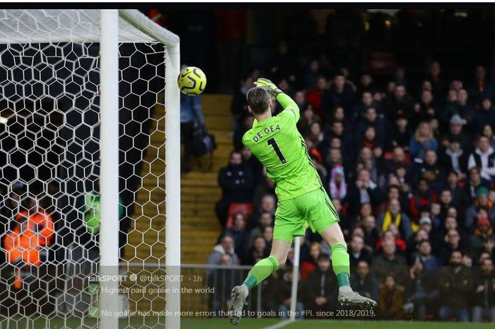 David de Gea melakukan blunder dalam laga Manchester United di kandang Watford, 22 Desember 2019.