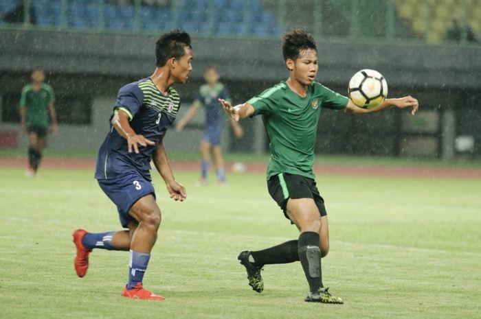 Laga timnas U-16 Indonesia kontra Top Skor Indonesia di Stadion Patriot Chandrabhaga, Kota Bekasi, Senin (23/12/2019)