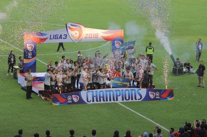 Para pemain Persijap Jepara menjadi juara Liga 3 2019 setelah mengalahkan PSKC Cimahi di babak final Liga 3 di Stadion Pakansari, Bogor, Minggu (29/12/2019).