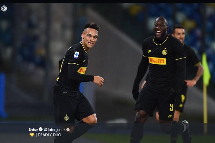 Lautaro Martinez (kiri) dan Romelu Lukaku, pasangan mematikan di lini depan Inter Milan.