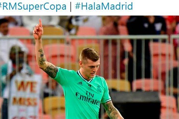 Gelandang Real Madrid, Toni Kroos, merayakan gol yang dicetak ke gawang Valencia dalam laga semifinal Piala Super Spanyol di Stadion King Abdullah Sports City, Rabu (8/1/2020).