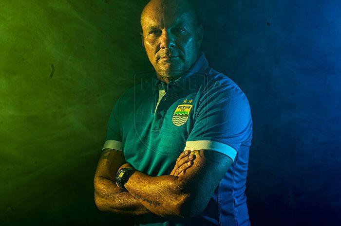 Pelatih kiper baru Persib Bandung, Luizinho Passos.