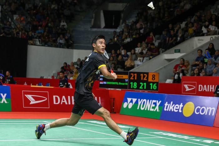 Aksi tunggal putra Indonesia, Shesar Hiren Rhustavito, pada babak pertama Indonesia Masters 2020, Rabu (15/1/2020)