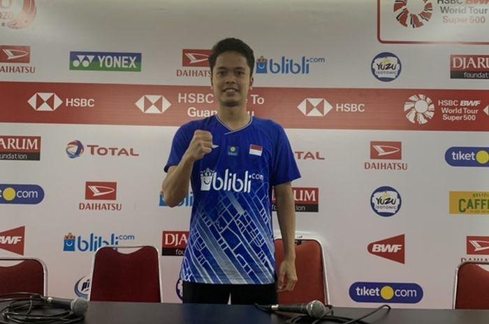 Pebulu tangkis tunggal putra Indonesia, Anthony Sinisuka Ginting, berfoto usai bertanding pada Indonesia Masters 2020 di Istora Senayan, Jakarta, Rabu (15/1/2020).