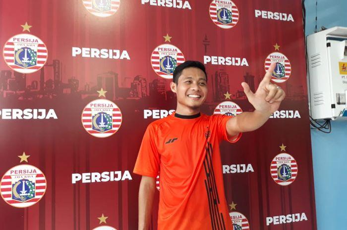 Gelandang Persija Jakarta, Evan Dimas, menjalani sesi latihan perdana di Lapangan Sutasoma, Halim, Jakarta Timur, Jumat (17/1/2020)