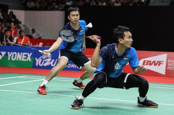Pasangan ganda putra Indonesia, Mohammad Ahsan/Hendra Setiawan, saat bertanding melawan Lee Yang/Wang Chi-Lin pada perempat final Indonesia Masters 2020.