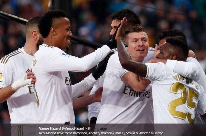 Para pemain Real Madrid merayakan gol Casemiro ke gawang Sevilla pada pertandingan Liga Spanyol pekan ke-20, Sabtu (18/1/2020).