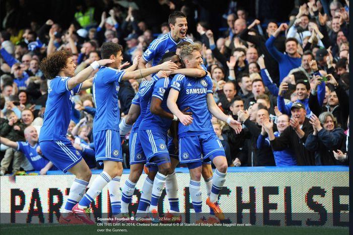 Para pemain Chelsea merayakan gol ke gawang Arsenal dalam partai Liga Inggris di Stamford Bridge, London, 22 Maret 2014.