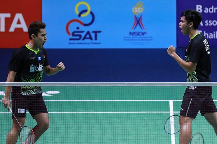 Pasangan ganda putra Indonesia, Leo Rolly Carnando/Daniel Marthin, tampil pada babak kualifikasi Thailand Masters 2020 di Indoor Stadium Huamark, Bangkok, Selasa (21/1/2020).