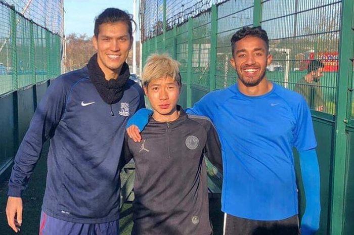 Pemain asing incaran Persela Lamongan, Shunsuke Nakamura (tengah), yang saat ini berkarier di Liga Latvia.