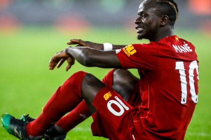 Sadio Mane mengalami cedera saat Liverpool mengalahkan Wolves di Molienux Stadium, Kamis (23/1/2020).