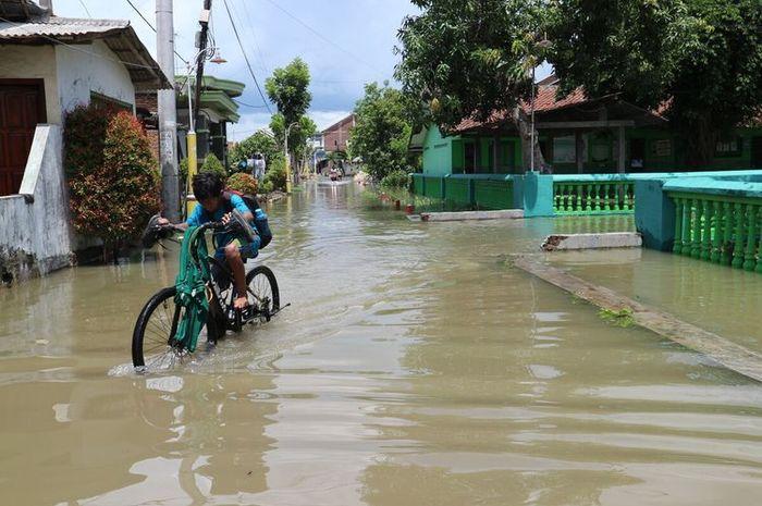 ♔ Arti mimpi banjir bandang togel