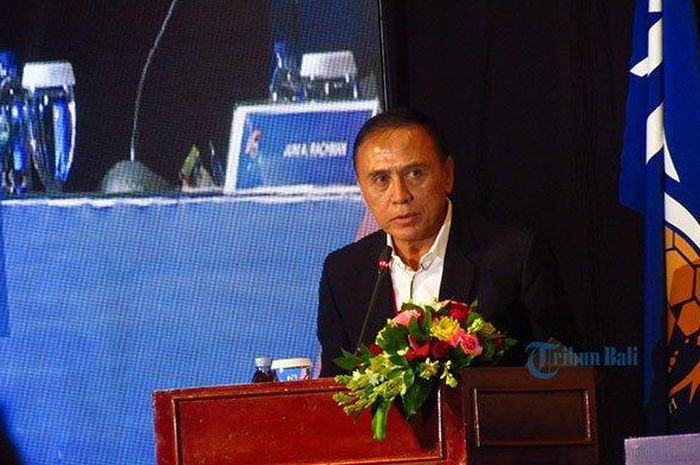 Ketua Umum PSSI Mochammad Iriawan mengisi sambutan dalam kongres PSSI di Hotel Discovery Kartika Plaza, Kuta, Bali, Sabtu (25/1/2020).