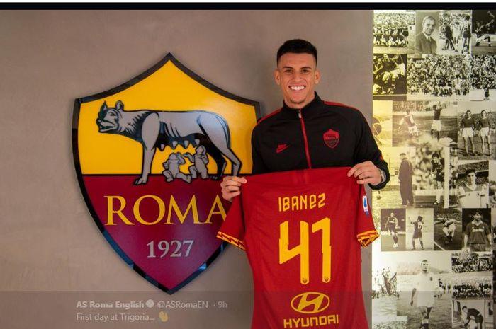 Roger Ibanez pindah ke AS Roma dari Atalanta.
