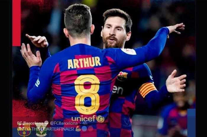 Lionel Messi merayakan gol bersama Arthur saat Barcelona menekuk Leganes di perempat final Copa del Rey, 30 Januari 2020.