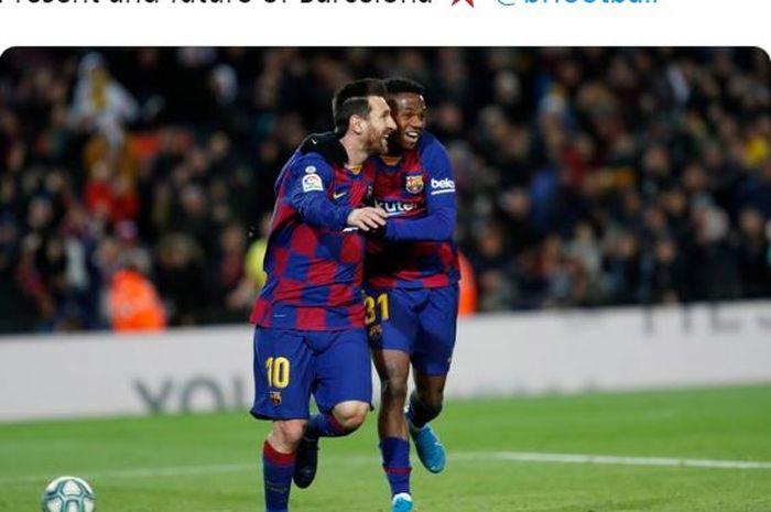 Penyerang Barcelona, Ansu Fati (kanan), merayakan golnya bersama Lionel Messi dalam laga Liga Spanyol melawan Levante di Stadion Camp Nou, Minggu (2/2/2020).