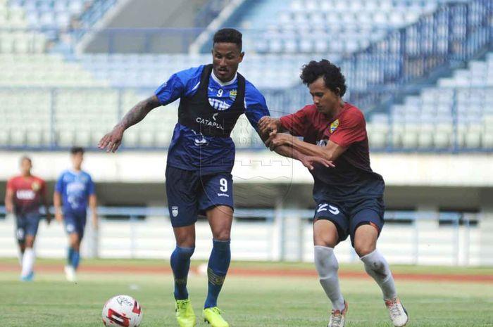 Wander Luiz mencetak dua gol bagi Persib dalam latih tanding kontra PSKC Cimahi, Sabtu (8/2/2020).