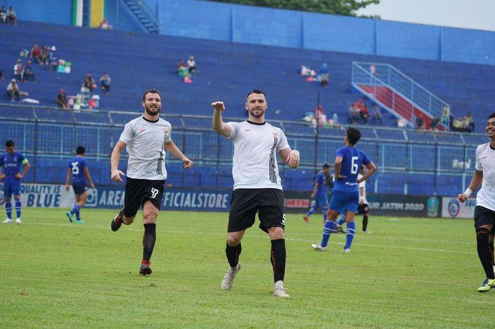 Persija Jakarta meraih kemenangan melawan klub Malaysia, Sabah FA, dengan skor 2-0 pada laga kedua Grup B Piala Gubernur Jatim 2020 di Stadion Kanjuruhan, Kepanjen, Kabupaten Malang, Jawa Timur, Kamis (13/2/2020).