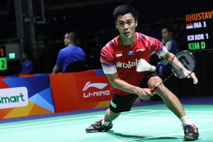 Pebulu tangkis tunggal putra Indonesia, Shesar Hiren Rhustavito, tampil pada partai kelima melawan Korea Selatan pada penyisihan Grup A Kejuaraan Beregu Asia 2020 di Rizal Memorial Coliseum, Manila, Filipina, Rabu (12/2/2020).