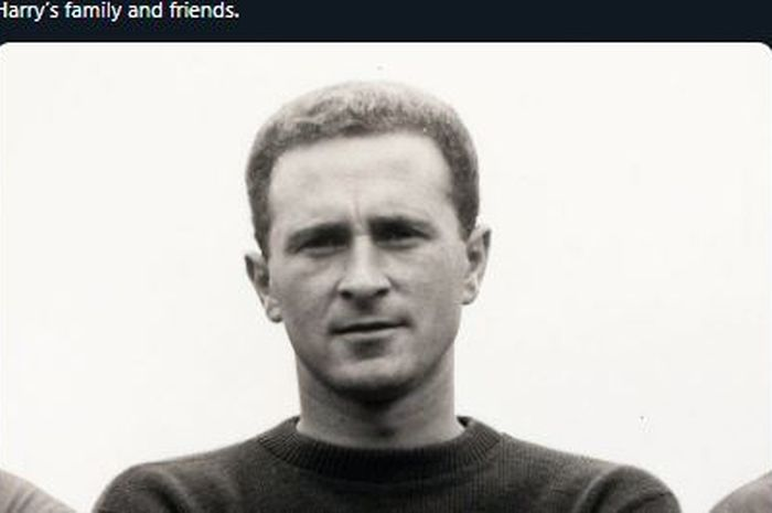 Kiper legendaris Manchester United, Harry Gregg,.
