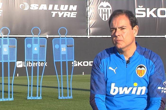 Pelatih kebugaran klub Valencia, Javier Minano.