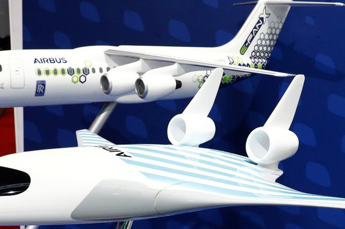Airbus telah menguji desain pesawat baru yang menggabungkan tubuh dan sayap sebagai upaya menghadirkan industri penerbangan yang lebih ramah lingkungan.