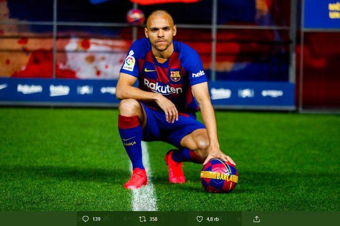 Penyerang anyar Barcelona, Martin Braithwaite, saat diperkenalkan secara resmi pada Kamis (20/2/2020) waktu setempat.
