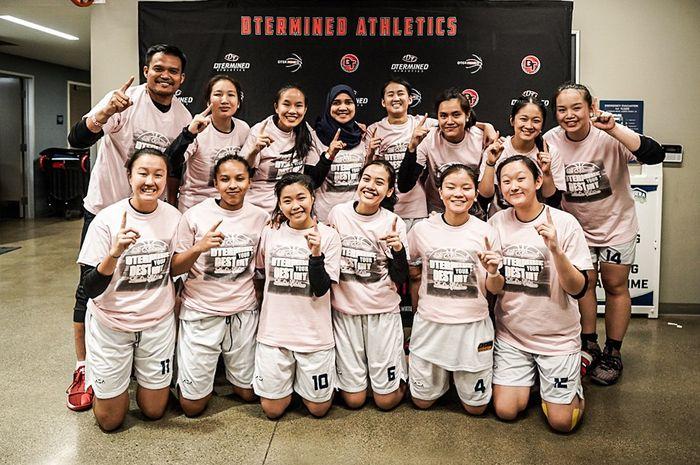 Tim putri skuad DBL Indonesia All-Star berfoto usai menjuarai  turnamen 5th Annual DTermine Your Destiny di Los Angeles, Amerika Serikat, Minggu (23/2/2020) waktu setempat.