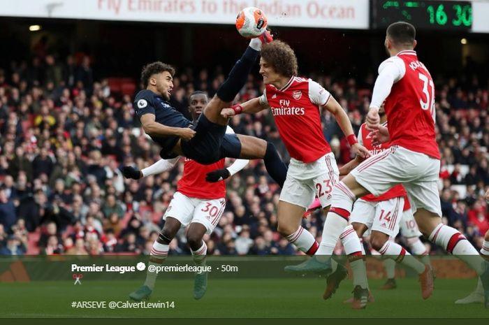 Terjadi jual beli serangan saat Arsenal menjamu Evertin di Stadion Etihad pada pekan ke-27 kompetisi Liga Inggris 2019-2020.