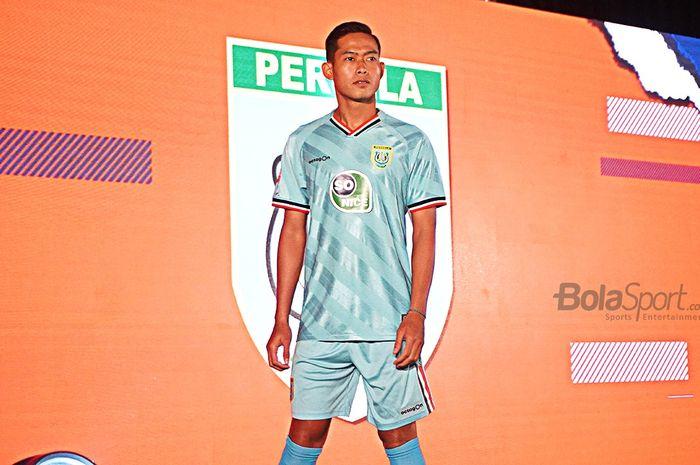 Kostum Persela di Liga 1 2020.