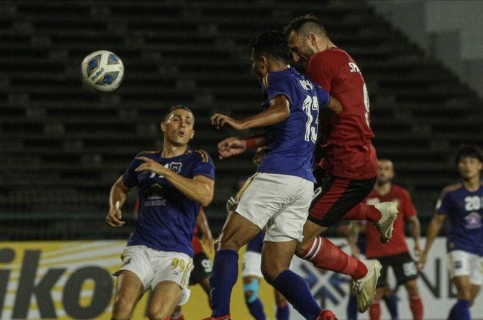 Aksi penyerang Bali United, Ilija Spasojevic, saat mencetak gol ke gawang Svay Rieng pada laga kedua Grup G Piala AFC 2020.