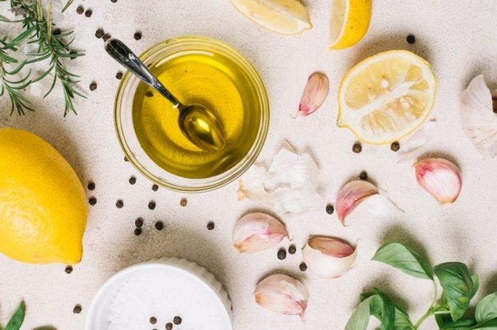 Hasil gambar untuk minyak lemon