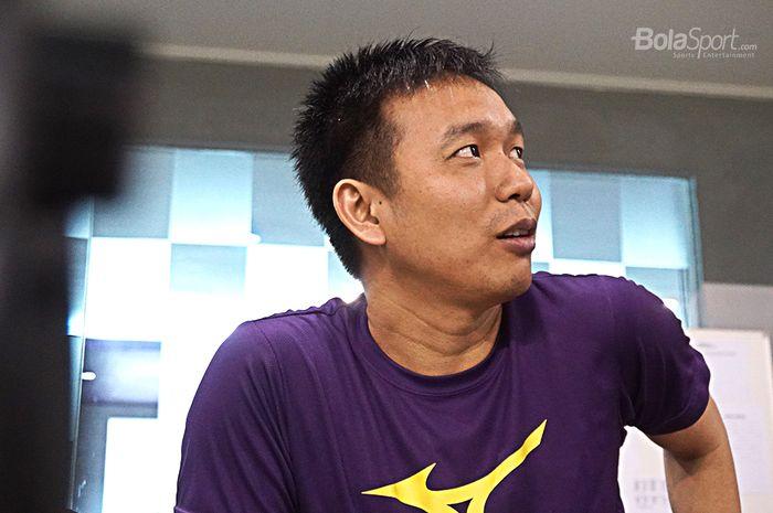 Pebulutangkis Ganda Putra Indonesia, Hendra Setiawan, saat diwawancarai oleh Bolasport.com di Pelatnas PBSI, Cipayung, Jakarta (27/2/2020)