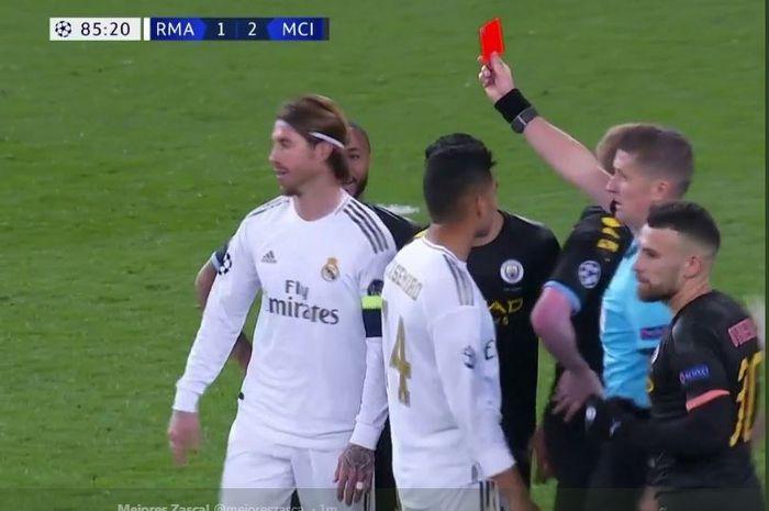 Kapten Real Madrid, Sergio Ramos, dikartu merah wasit dalam pertandingan Liga Champions kontra Manchester City, 26 Februari 2020.