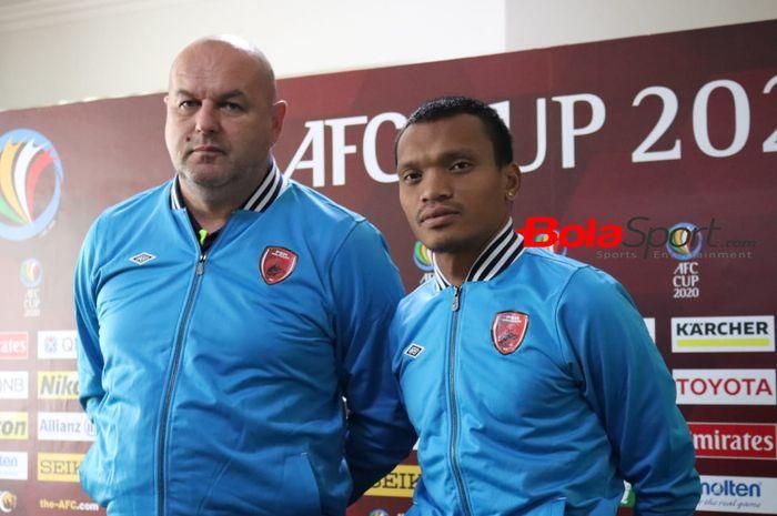 Pelatih PSM Makassar, Bojan Hodak dan pemain Ferdinan Sinaga