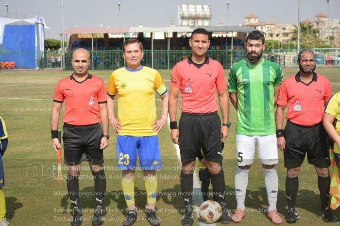 Ezzeldin Bahader (Kuning) Berhasil menjadi Pesepak Bola Tertua di Dunia Yang Mampu Cetak Gol