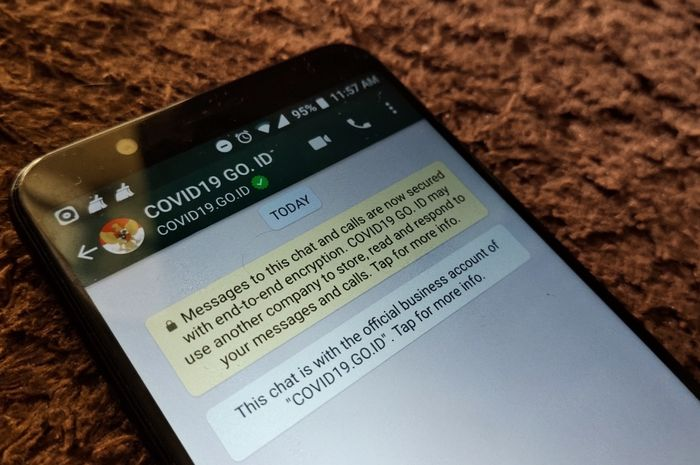Fitur chatbot milik Menkominfo yang bekerjasama dengan WhatsApp untuk penyebaran informasi terkait Covid-19