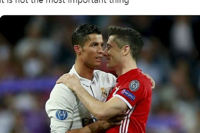 Striker Bayern Muenchen, Robert Lewandowski (Kanan) dan Cristiano Ronaldo (Kiri).