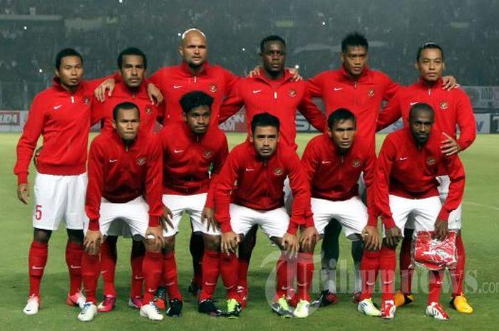 Skuad timnas Indonesia dalam laga kontra Arab Saudi di Stadion Utama Gelora Bung Karno (SUGBK), Jakarta, Sabtu (23/3/2013).